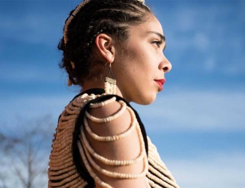 Kreatif! Wanita Ini Sulap Tulang Salmon Jadi Gaun yang Cantik