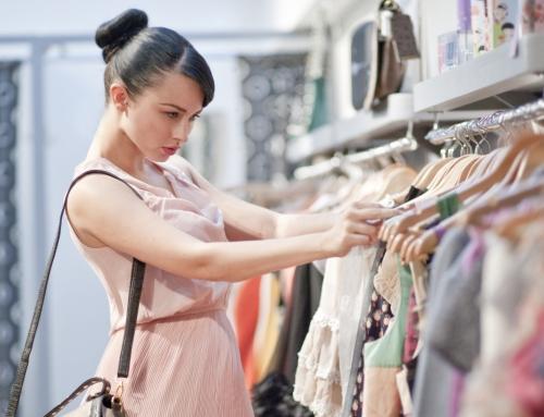 5 Alasan Tidak Perlu Sering-sering Membeli Baju Baru