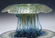 meja unik berbentuk ubur-ubur