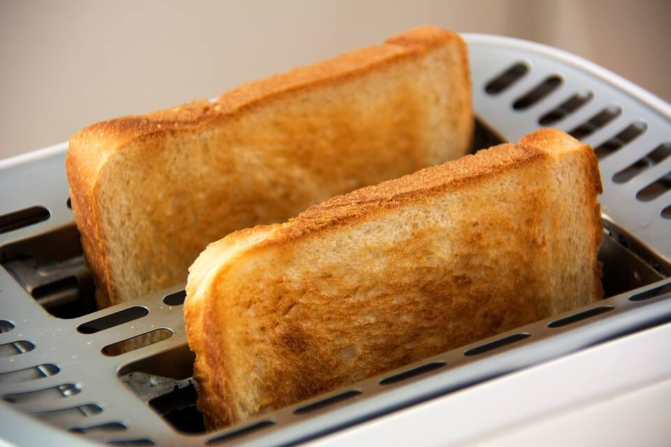 10 Makanan yang Sebaiknya Tidak Disimpan di Dalam Kulkas roti