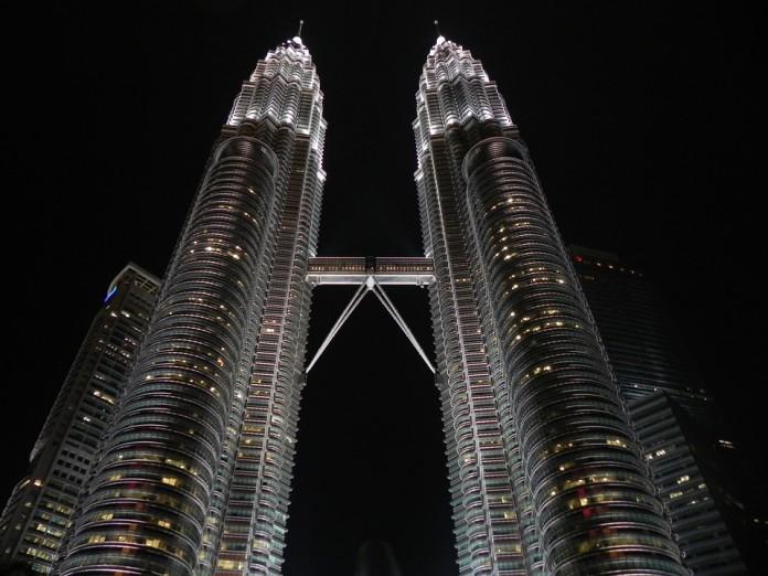 4 rekomendasi hotel murah di sekitar menara petronas kuala lumpur rh meramuda com Menara KLCC Menara Kuala Lumpur Petronas