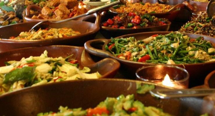 5 Kota Tujuan Wisata Kuliner di Indonesia - MeraMuda