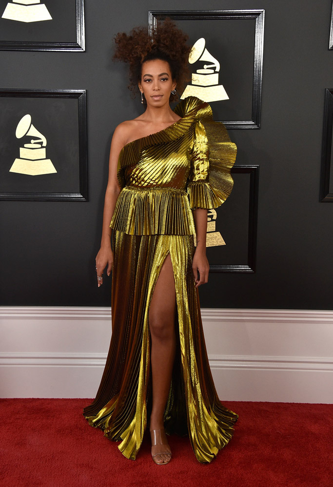 solange-knowles-shoes-grammys-2017