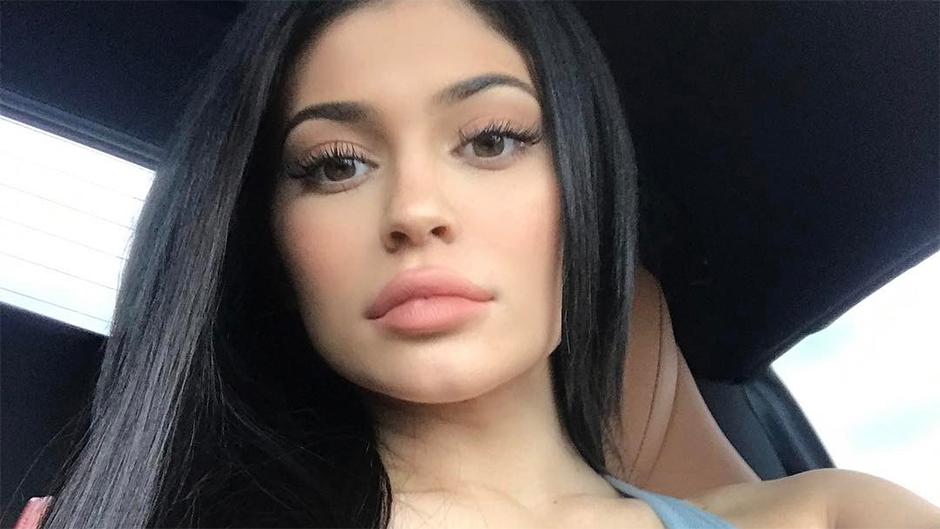Kylie Jenner Segera Luncurkan Blush On Dengan Warna