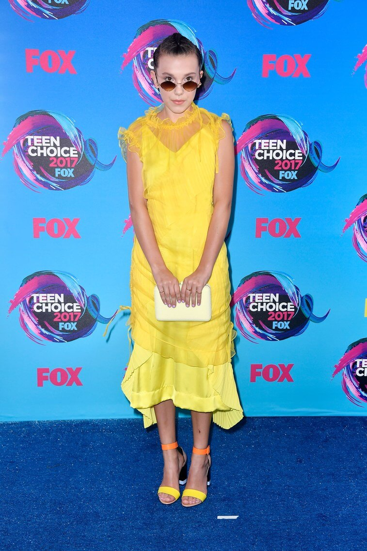 millie bobby brown teen choice award 2017 best look