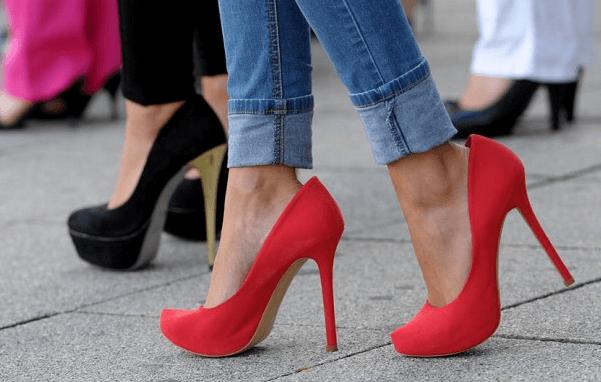 kaki sakit saat pakai high heels