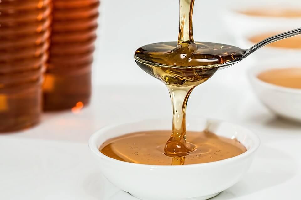 10 Makanan yang Sebaiknya Tidak Disimpan di Dalam Kulkas madu