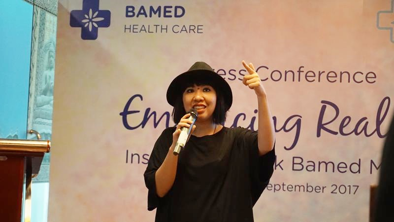 Embracing Realness Melalui Karya Seni: Bamed Skin Care x Monica Hapsari