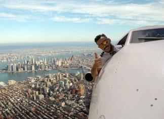 Epik Tapi Hoax Saja, Selfie Pilot di Pesawat Saat Terbang-cover