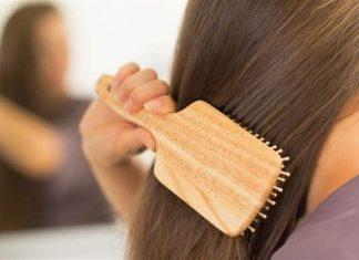 Gunakan Sisir yang Sesuai dengan Tipe Rambutmu