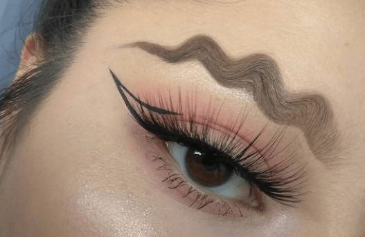 trend makeup wavy brows