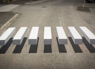 Sebuah Kota di Islandia Menerapkan Zebra Cross 3D untuk Memperlambat Laju Kendaraan