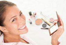 Kebiasaan-Kebiasan Jorok Wanita Saat Pakai Makeup