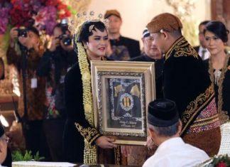 Selamat! Kahiyang Ayu dan Bobby Nasution Resmi Menikah