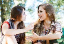 Tips Memberikan Kritik Tanpa Membuat Lawan Bicara Sakit Hati