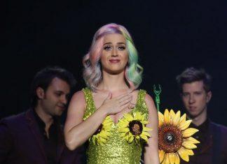 Gara-gara Gaun Bunga Matahari, Katy Perry Di-blacklist Pemerintah China