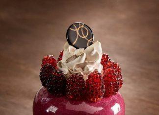 Pâtisserie: Proyek Seni Kaca yang Melambangkan Kecantikan dan Kekuatan dari Desserts!