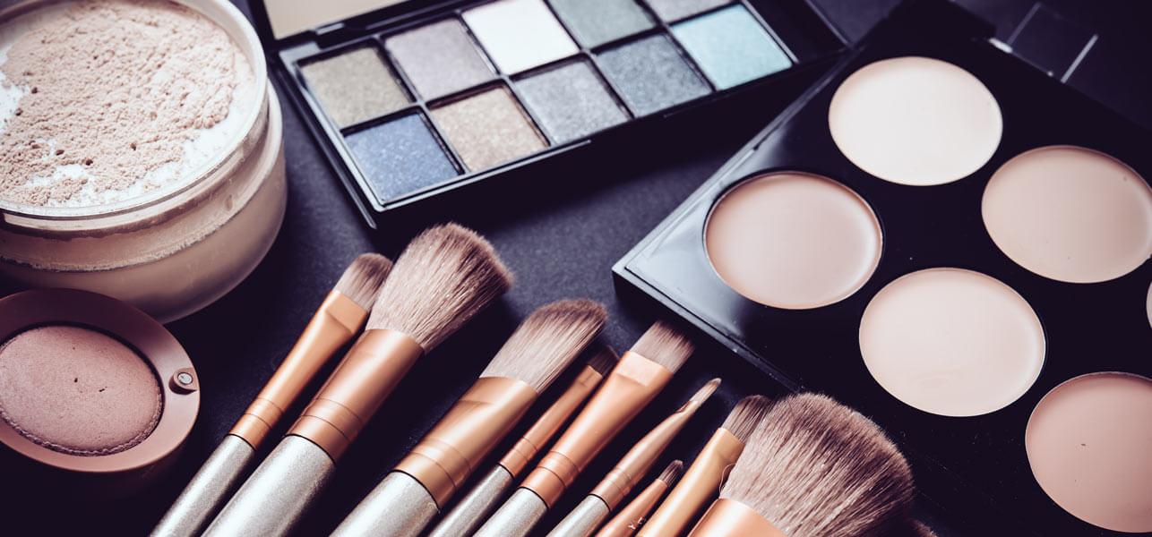Hasil gambar untuk alat make up