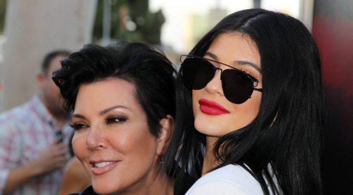 Selamat, Kylie Jenner Melahirkan Bayi Perempuan-cover