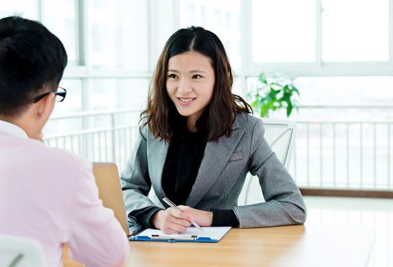 Sering Gugup Saat Wawancara? Lakukan Tips Berikut Ini