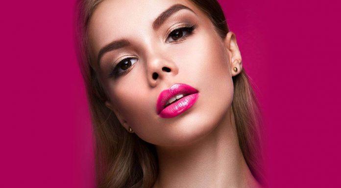 Tips Memilih Warna Lipstik Pink Sesuai Undertone Kulit