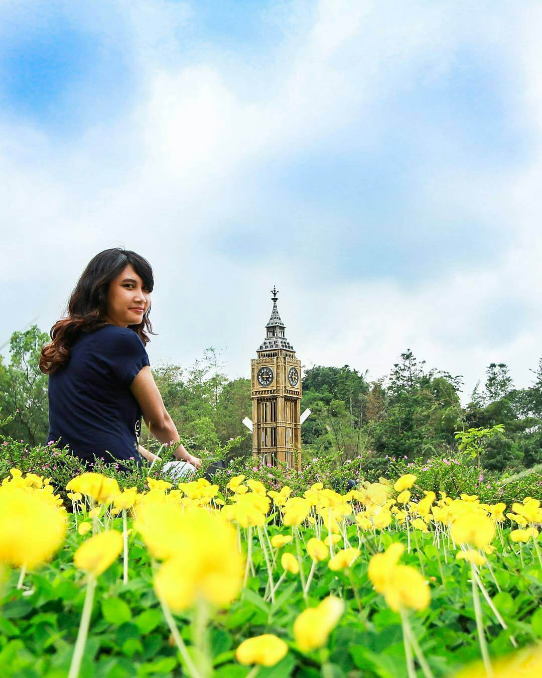 Destinasi Wisata Bernuansa Kumpulan Landmark Dunia di Indonesia