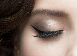 13 Kesalahan Menggunakan Eyeliner Ini Bisa Diatasi dengan Mudah Loh