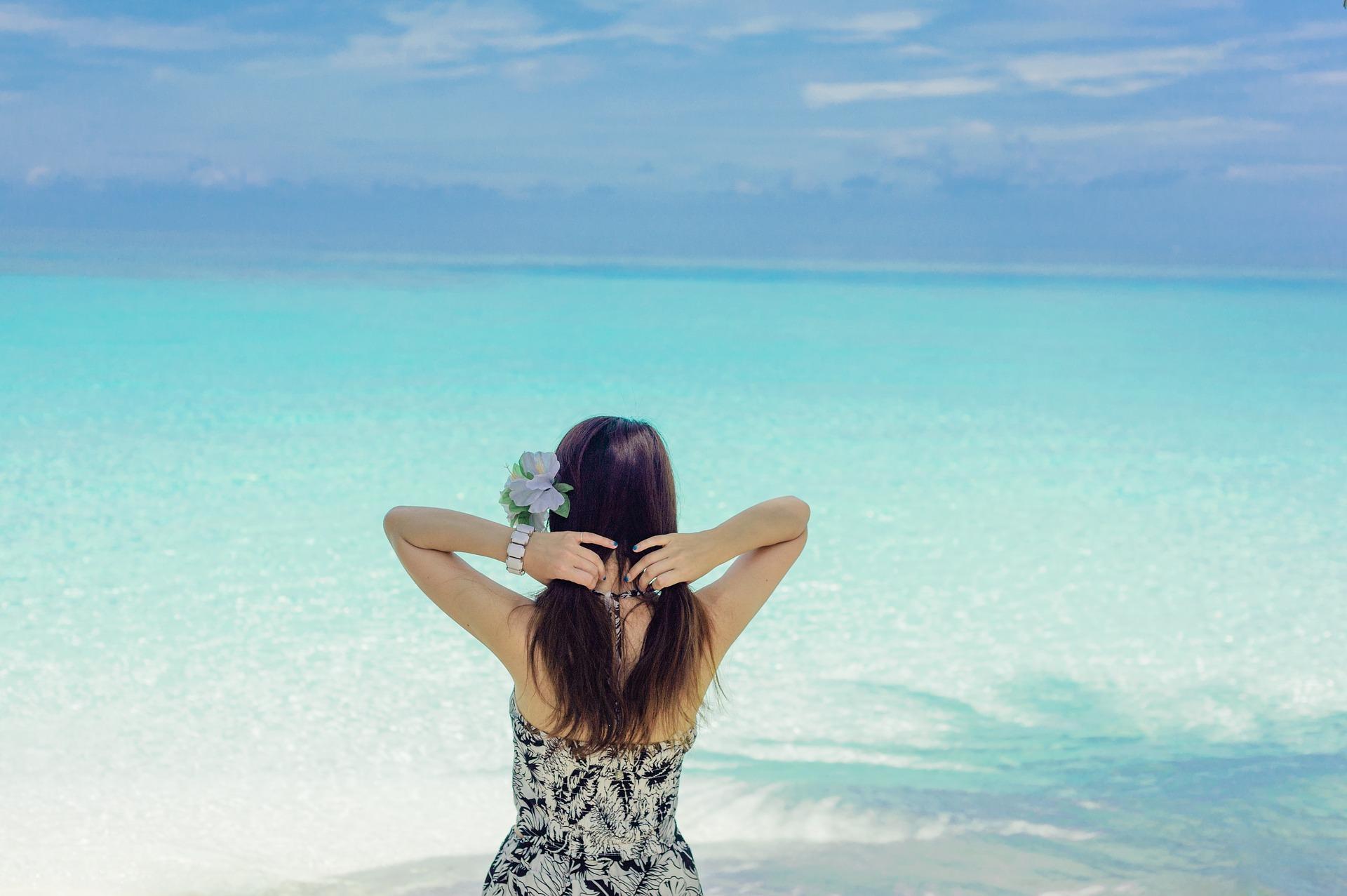 Liburan ke Pantai? Ini Tips Mencegah Kulit Terbakar Sinar Matahari