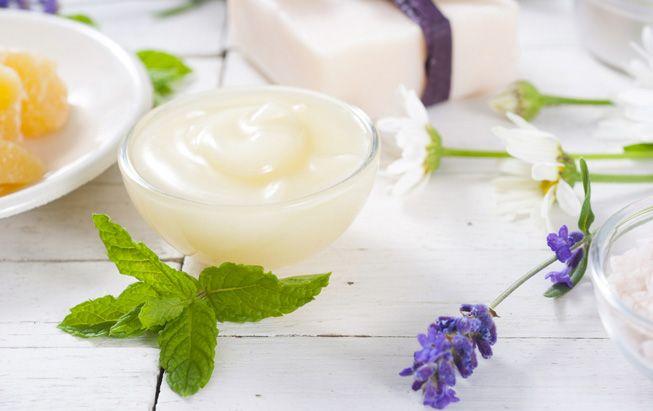 5 Resep DIY Lip Scrub untuk Bibir Lembut dan Sehat