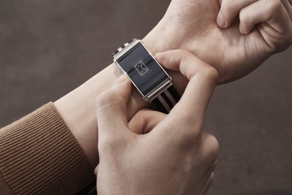Ubah Jam Tangan Biasa Menjadi Teman Digital, Montblanc Akan Luncurkan Montblanc TWIN Smart Strap
