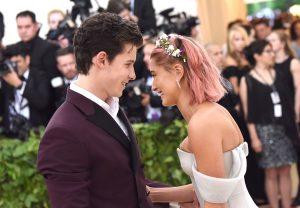 Shawn Mendes dan Hailey Baldwin Cuma Teman?