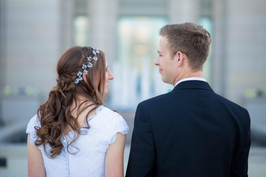 10 Kutipan Romantis Untuk Mempermanis Undangan Pernikahanmu