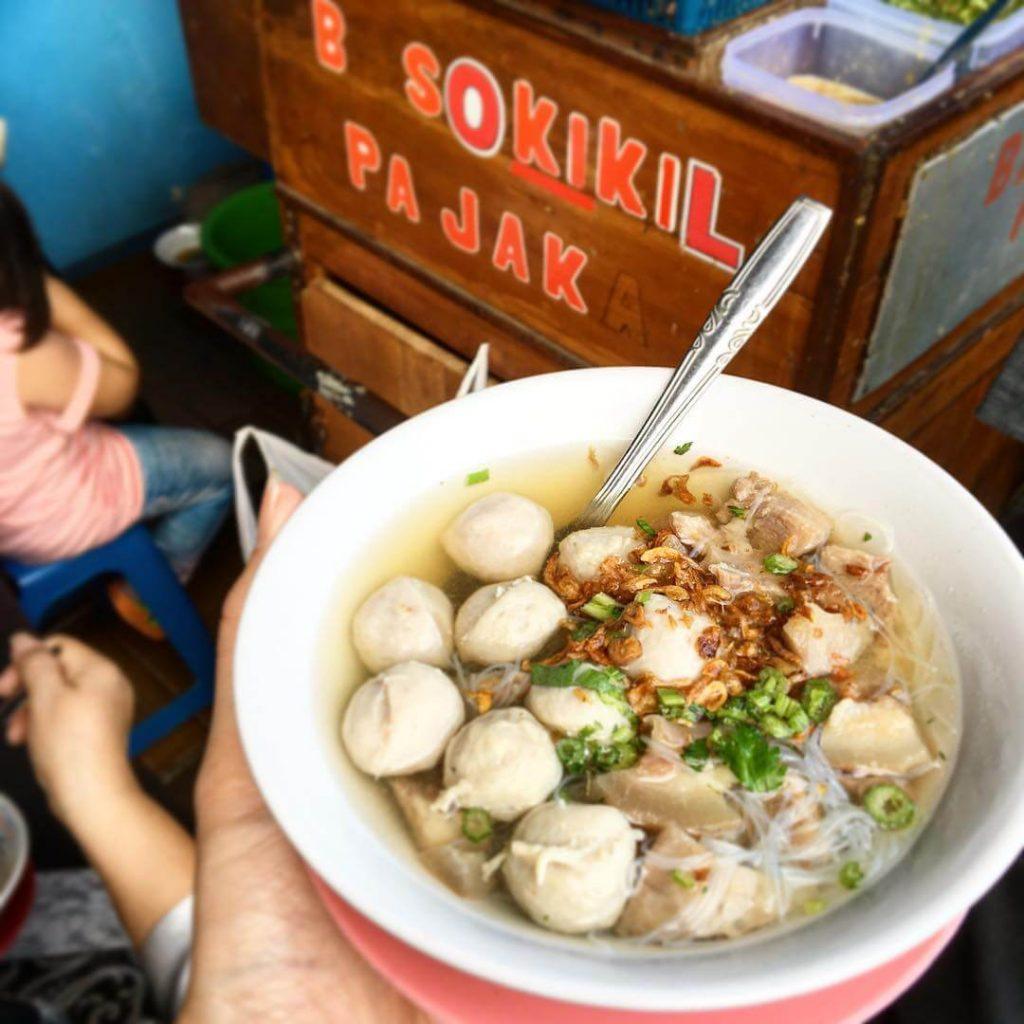 Bakso Kikil Pak Jaka, Bakso Gerobak Melegenda di Jalan Suryakencana Bogor