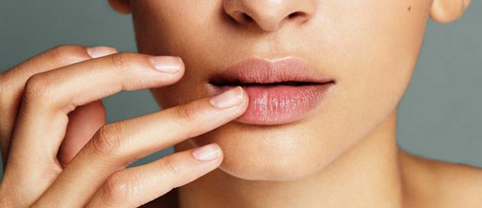DIY Lip Sleeping Mask untuk Bibir Lembut dan Pink Natural