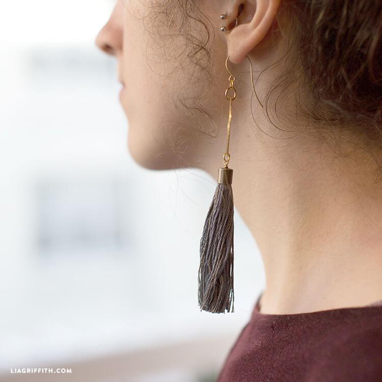 DIY Tassel Earing yang Bikin Penampilan Makin Elegan dan Menawan