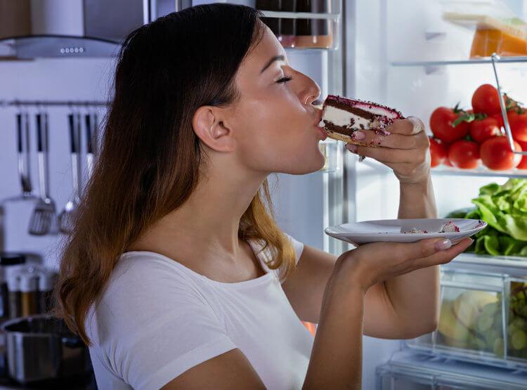 10 Hal Ini Akan Terjadi pada Tubuhmu Bila Terlalu Banyak Makan Gula