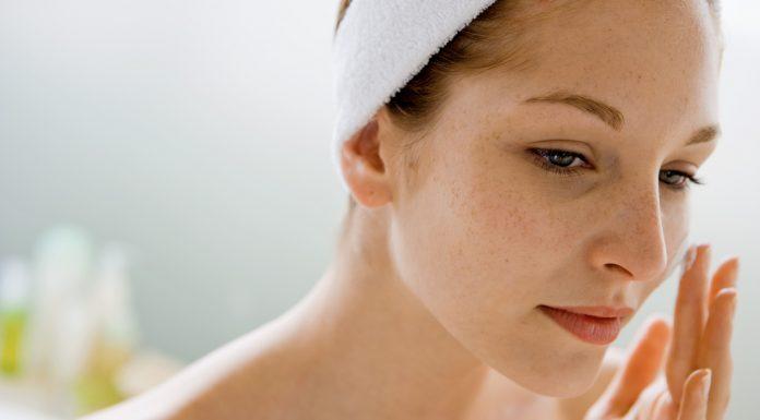 Skincare 101: Perbedaan Retinol dan Retinoid