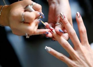 9 Inspirasi Nail Art dari New York Fashion Week
