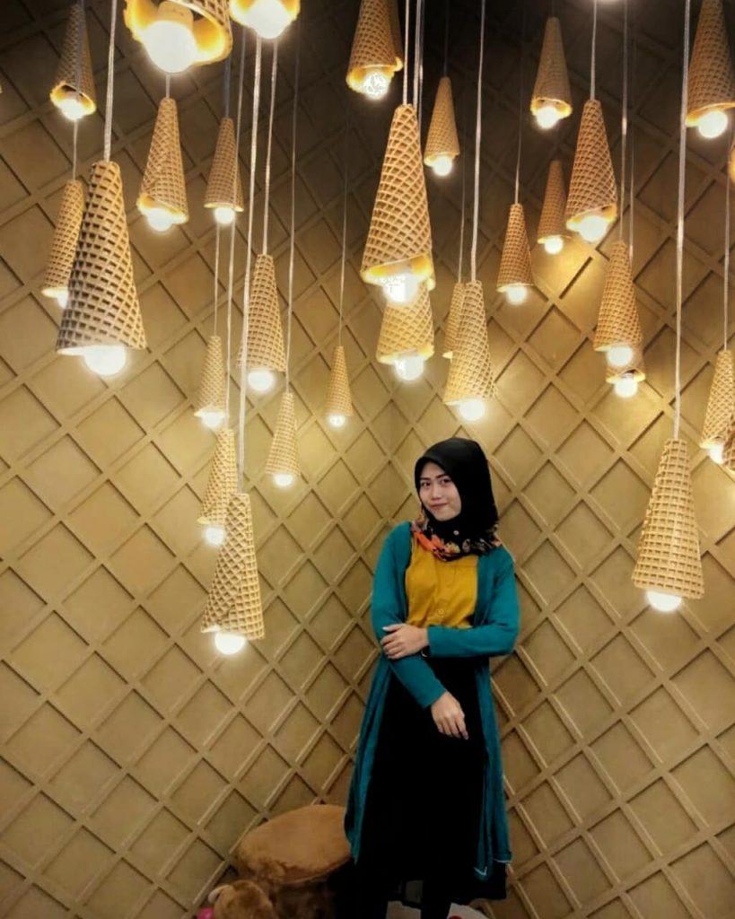 Makan Es Krim Sembari OOTD di Ice Cream World Semarang yang Instagenic