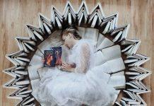 Punya Segudang Koleksi Buku? Bikin Book-art Keren ala Elizabeth Sagan Ini Yuk