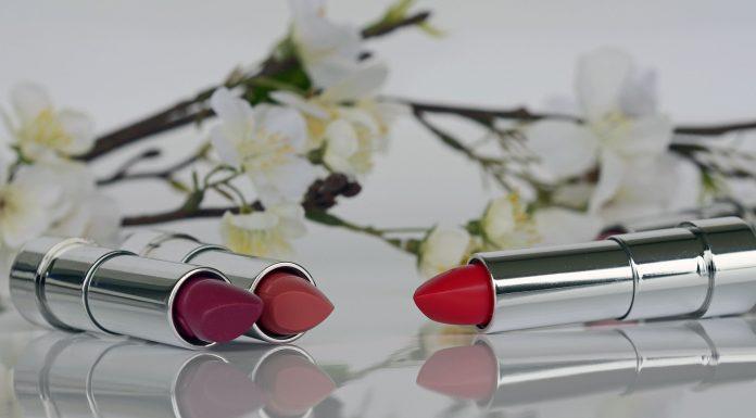 Suka makeup, terutama lipstik, dan juga astrologi, Ladies? Kalau gitu, kamu pasti suka banget dengan lipstik bertemakan zodiak dari Bite Beauty ini, Ladies.