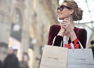 Tips Berhemat di Tengah Godaan Holiday Sale