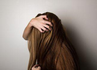 Ingin Tetap Kece Saat Rambut Lagi Lepek? Coba Gaya Rambut Ini Aja!