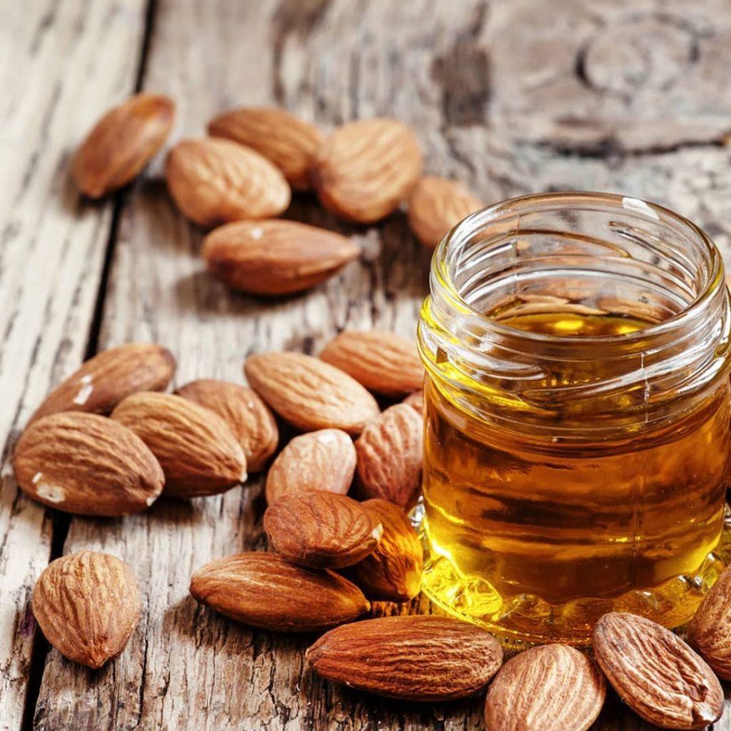 Manfaat Almond Oil untuk Rambut