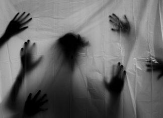 tanda hantu ada di sekitar kita