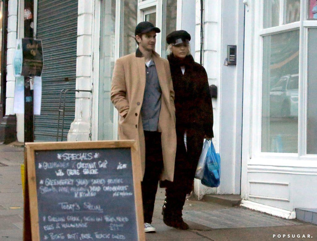 Andrew Garfield dan Rita Ora Tertangkap Kamera Belanja Bersama di London