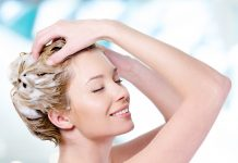 Manfaat dan Rekomendasi Clarifying Shampoo
