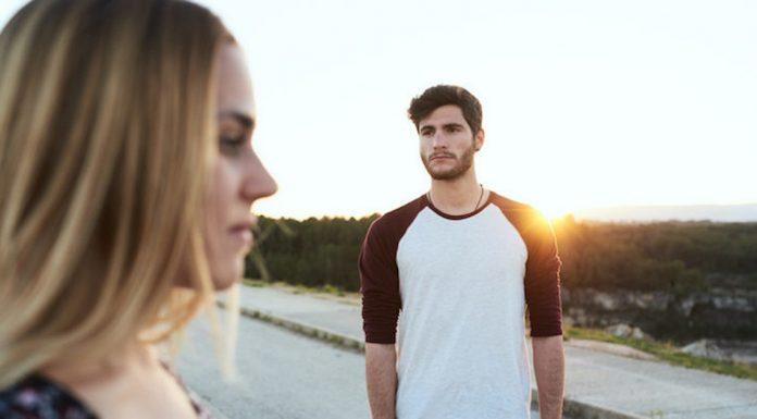 10 Tipe Cowok yang Kamu Putusin di Umur 20-an