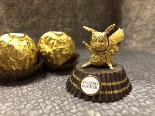 Pria Ini Ubah Bekas Kemasan Cokelat Ferrero Rocher Jadi Karya yang Menakjubkan
