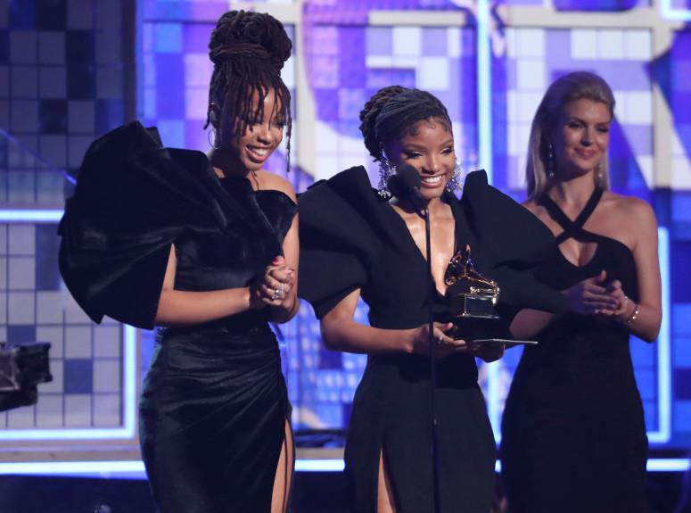 Big Shoulders Jadi Tren Fashion Grammy 2019